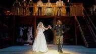 "Bei ""Shakespeare in Love"" in Bad Vilbel blühen turbulente Verwicklungen."