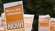 Auch für einen schnellen Austritt: Demonstranten in London am Montag