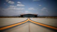 In New Mexico steht der erste kommerzielle Weltraumbahnhof der Welt. Anfang Mai wurde er eröffnet, bald sollen die ersten Weltraumflüge von dort aus starten.