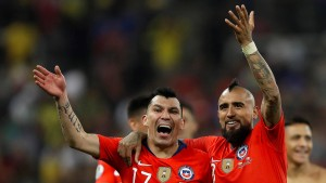 Chile schafft es erst im Elfmeterschießen ins Halbfinale