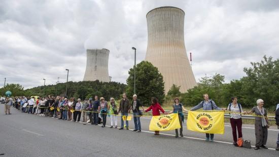 90 Kilometer lange Menschenkette gegen belgische Reaktoren
