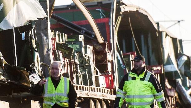 Leerer Lastwagen könnte Zugunglück ausgelöst haben