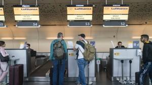 Regierung: Gutscheine statt Rückzahlung für abgesagte Reisen