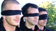 Kämpfer für die gute Sache: Fußballprofi Ryan Giggs (MItte) mit David Beckham und Gary Neville am World Sight Day 2001