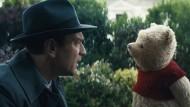 Ewan McGregor als Christopher Robin und Winnie Puuh: Der Film läuft seit dem 16. August in deutschen Kinos.