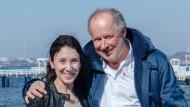 "Sibel Kekilli mit Axel Milberg im März 2015 bei ""Tatort""-Dreharbeiten in Kiel"