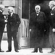 Der Rate der Vier: Der britische Premierminister Lloyd George (von links), der italienische Ministerpräsident Vittorio Orlando, der französische Ministerpräsident Georges Clemenceau und der amerikanische Präsident Woodrow Wilson im Januar 1919.