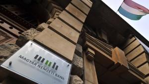 EU und Ungarn beenden Streit über Zentralbank