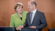 """Nach dem Absturz der SPD in Bayern behandelt die Union ihren Koalitionspartner """"wie ein rohes Ei""""."""