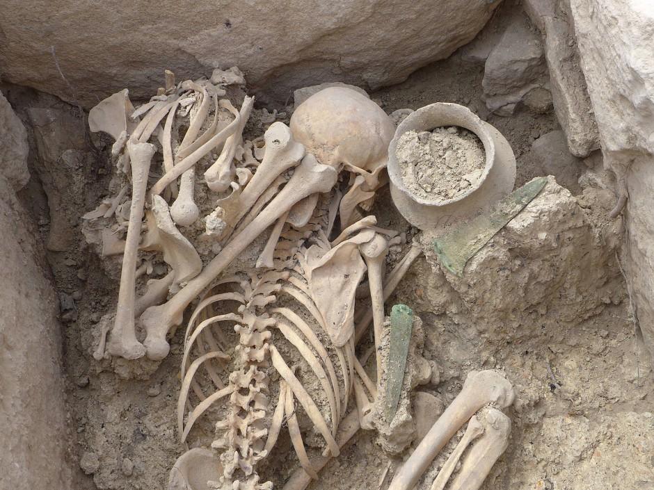 Der Krieger und die kleine Frau: die Toten von Grab 80 in La Almoloya