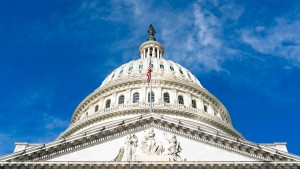 Pelosi und McConnell lehnen Trumps Coronavirus-Test-Angebot ab