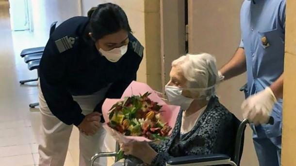 101-jährige Argentinierin verlässt Krankenhaus
