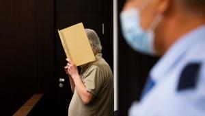 Ehemaliger Polizist wegen Kindesmissbrauchs vor Gericht