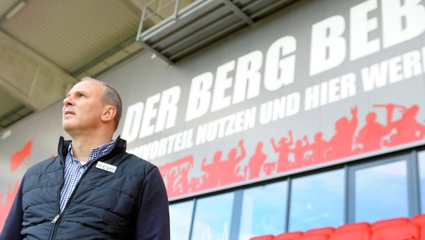 OFC-Trainer Oliver Reck per SMS bedroht