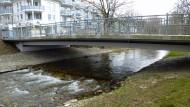 Beim Bau der Bernadusbrücke in Bad Krozingen ist ein besonders korrosionsanfälliger Stahl verbaut worden.