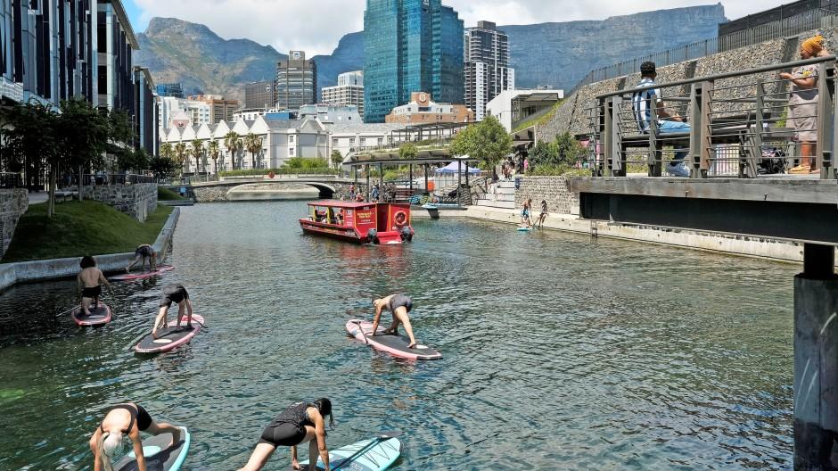 Sport auf dem Wasser in Cape Town: Aber wer kommt noch und wer darf überhaupt?