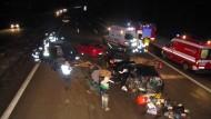 Autofahrer umkurven Schwerverletzte – und machen Fotos