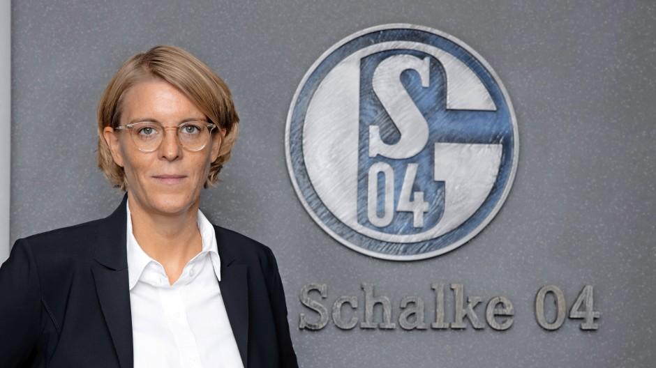 Christina Rühl-Hamers, 44, ist seit Oktober 2020 Finanzvorständin des FC Schalke 04.