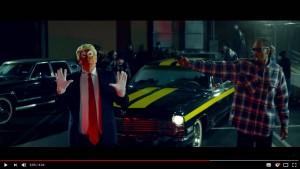 Snoop Dogg richtet Pistole auf Trump-Clown
