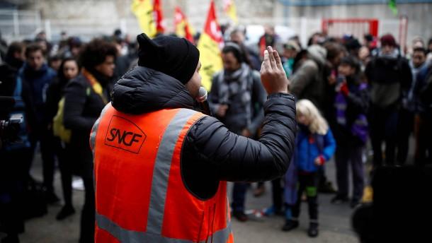 """""""Schwarzer Donnerstag"""" legt Frankreich lahm"""
