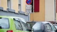 Parken in Frankfurt: Mit dem unentgeltlichen Parken könnte es bald vorbei sein.