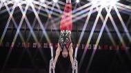 Konzentriert: Lukas Dauser während des Finals am Barren bei den Olympischen Spielen in Tokio