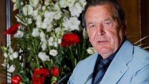 Schröder findet Klima-Debatte übertrieben