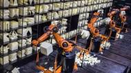 Autonom, aber nicht reflexiv: Roboter auf der Cebit