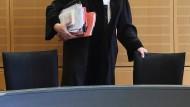 Karlsruhe legt Regeln für Mindesteinkommen von Richtern fest