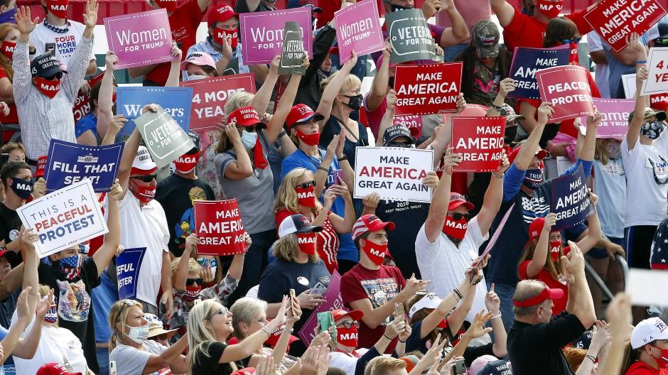Klare Verteilung: Ein Großteil der weißen Evangelikalen unterstützt Donald Trump.