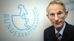Jörg-Dietrich Hoppe gestorben