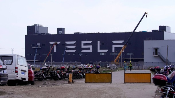Tesla überrascht die Anleger