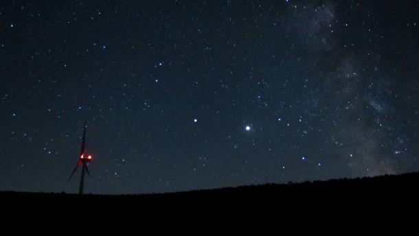 Treffen sich zwei Planeten am Abendhimmel