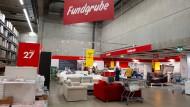 In der Fundgrube verkauft Ikea Ausstellungsstücke und Möbel mit Macken zum Sonderpreis. Künftig sollen hier im großen Stil gebrauchte Möbel angeboten werden.