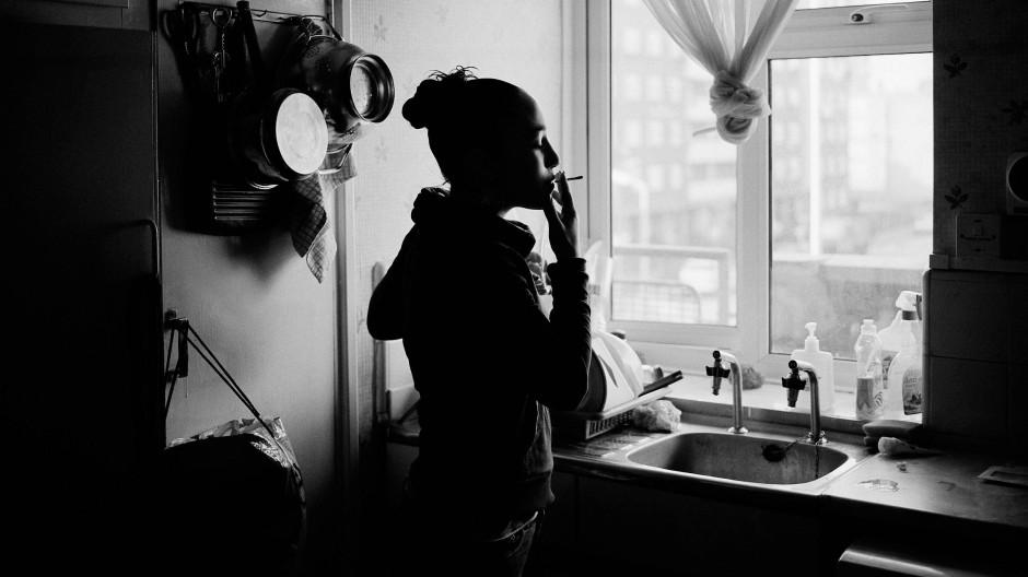 Nach der Trennung sich selbst finden: Unsere Autorin steht nun gern rauchend am Fenster und ist für sich allein glücklich (Archivbild).