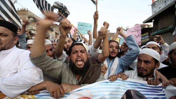 Parteienbündnis in Pakistan fordert Neuwahlen
