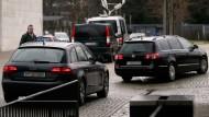 Erklärungsnöte in Wolfsburg, Erfolgsmeldungen aus Berlin