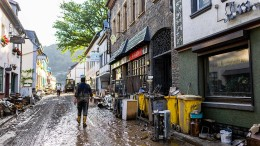 Baerbock: Den Kastastrophenschutz neu aufstellen