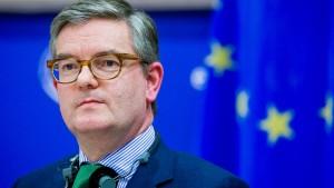 EU-Kommissar springt denen bei, die Angst vor Huawei haben