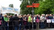 Bonner Bürger protestieren wegen totgeprügelten Teenagers