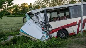52 Verletzte bei Busunfall auf Fahrt ins Jugendcamp