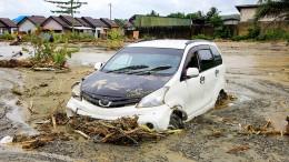 Über 50 Tote nach Sturzfluten