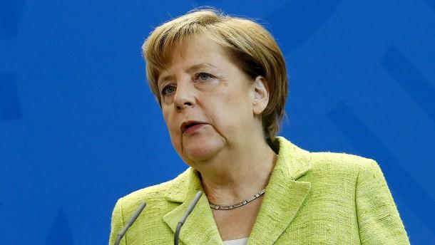 Merkel fordert Einzelfallprüfung bei Afghanistan-Abschiebungen