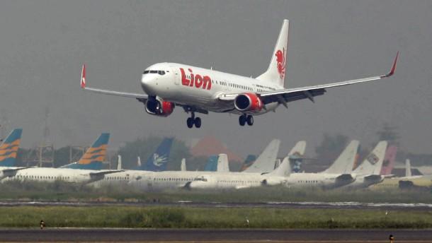"""Abgestürzte Boeing war schon zuvor """"fluguntüchtig"""""""