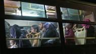 Flüchtlinge in Aleppo: Die Vereinten Nationen konnten keine Verletzten aus der Stadt bringen.