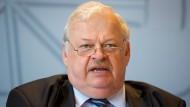 Integrationsminister will Aufenthaltsrecht für illegal in Deutschland lebende Ausländer