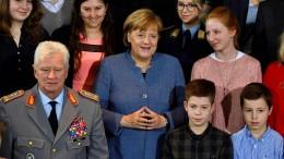 Merkel bedankt sich bei Angehörigen