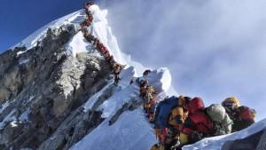 "Bergsteiger warnen vor ""Todesrennen"""