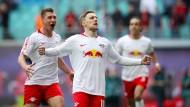 Mit breiter Brust nach Berlin? Im Bundesliga-Spiel gegen den FC Bayern wollen Emil Forsberg und Leipzig Selbstvertrauen für das Pokal-Finale tanken.