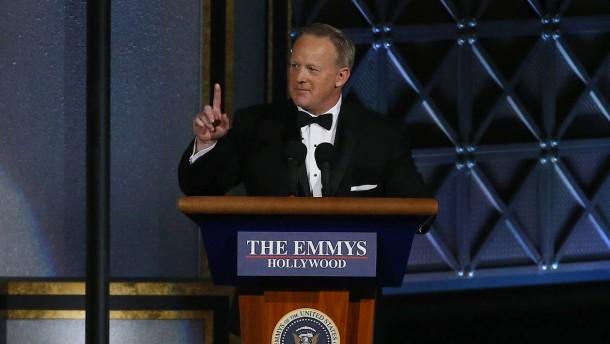 Trumps ehemaliger Pressesprecher Spicer überrascht Publikum